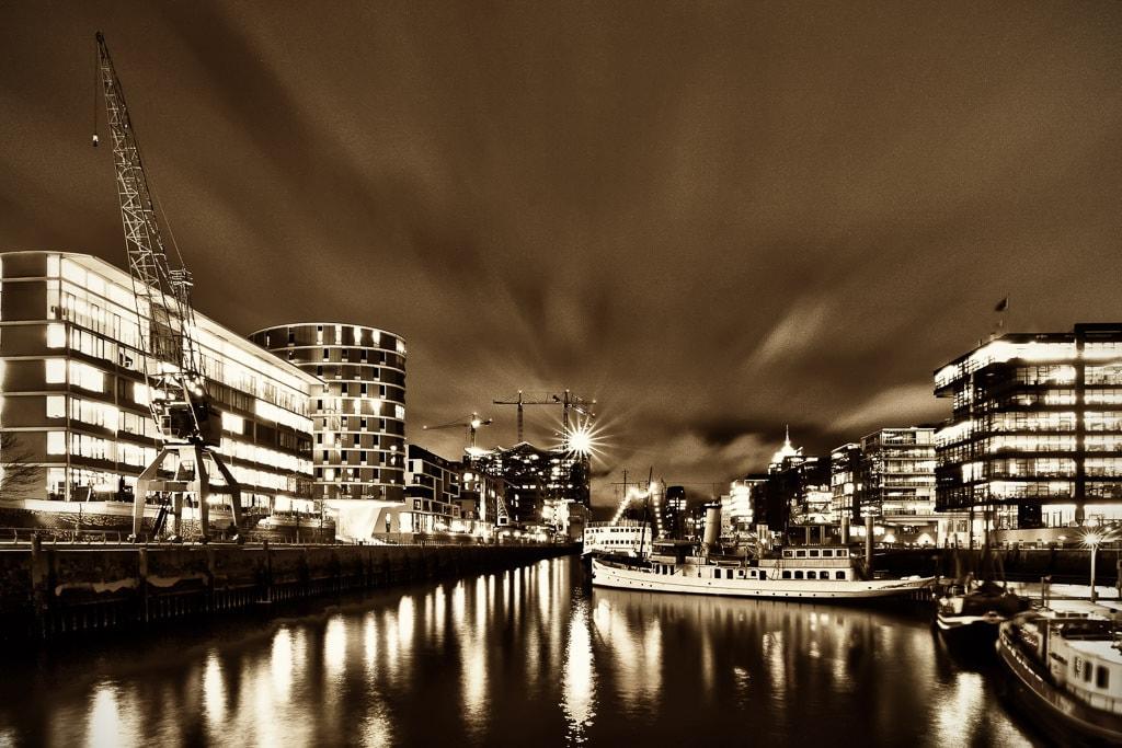 Museumshafen_Hafencity_2_SEPIA